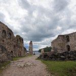 Působivá zřícenina Koknese nad přehradou na Daugavě