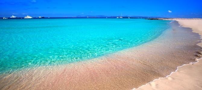 Formentera-pláž-Playa-de-ses-Illetes-Španělsko_e9s8ca