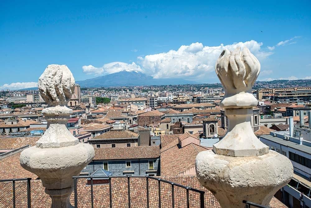 04-Catania-pohled_na_Etnu