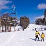 Valentýnská pusa ve skiareálu Lipno