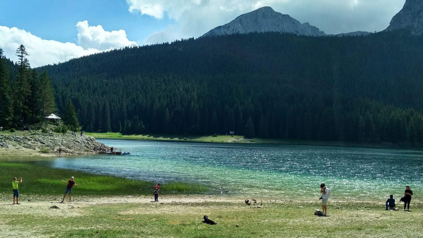 Cerne-jezero