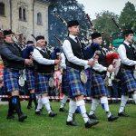 Skotské hry obléknou zámek Sychrov do kostky