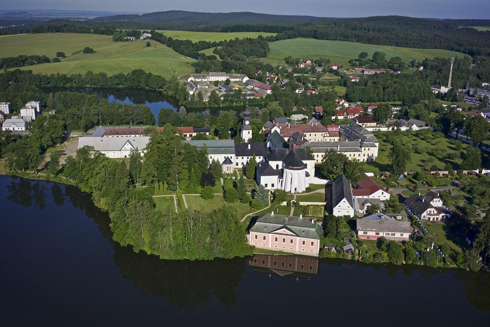Letecky-pohled-zamek
